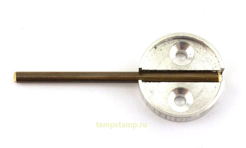 Sealing cup with hinged rod
